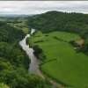 Nielegalny rave w Forest of Dean w Gloucestershire